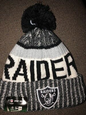 New Era Adult NFL On The Field Oakland Raiders 2017 Knit Pom Hat Beanie c9af0231c