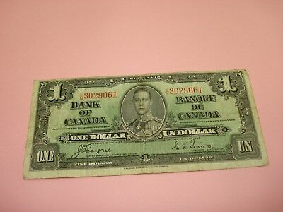 1937 - Bank of Canada $1 note - one dollar bill - SN3029061