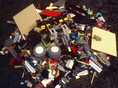 Bulk Lego ( 2 Kilos + Of Mixed Lego)Used.What You See Is What You Will Receive.