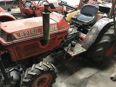 Kubota B2150 4x4 tractor with 3 point linkage and rear pto