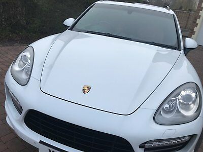 White Porsche Cayenne Turbo Great Condition & low mileage with FPSH