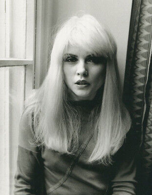 Debbie Harry UNSIGNED photograph - L2954 - London, 1981 - NEW IMAGE!!!
