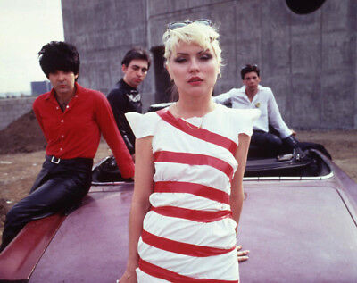 Debbie Harry UNSIGNED photograph - L3014 - Blondie, 1980s - NEW IMAGE!!!