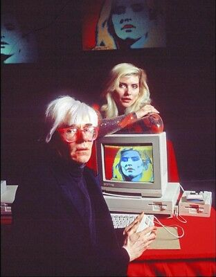 Debbie Harry and Andy Warhol UNSIGNED photograph - L2965 - In 1985 - NEW IMAGE!!
