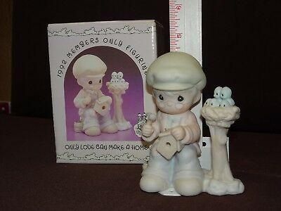 """Precious Moments Figurine PM921 """"Only Love Can Make A Home"""" 1992 MEMBERS ONLY"""