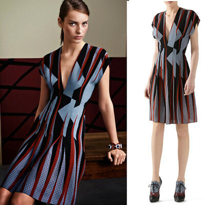 c85bcfebc 40 NEW $1850 GUCCI RUNWAY Blue Red Triangle V Neck Shift Spring SILK MOD  DRESS 4