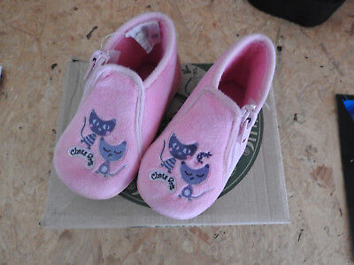 chausson pointure 20 fille rose avec chat tooti TBE
