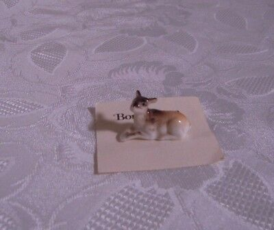 Miniature Hagen Renaker style figurine porcelain bone china deer fawn laying
