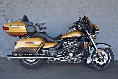 2017 Harley-Davidson Touring  2017 HARLEY DAVIDSON MILWAUKEE 8 ULTRA LIMITED - LOADED UP