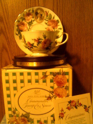 RHTF AVON 1991 Honor Society Mrs Albee Cup & Saucer with wood display-New in Box