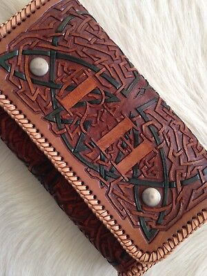 """Womens 70s """" RH ' Vintage Heavy Tooled Medieval Celtic Style Clutch Tan/Green"""