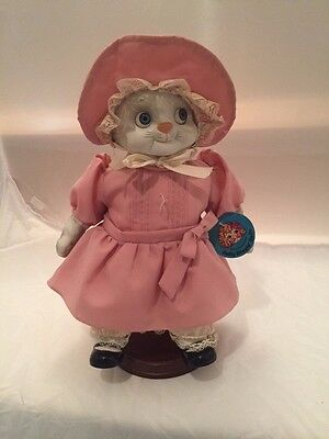 Dolly Dingle Kitty Cutie Porcelain Doll with Stand 1986 Goebel Limited Edition