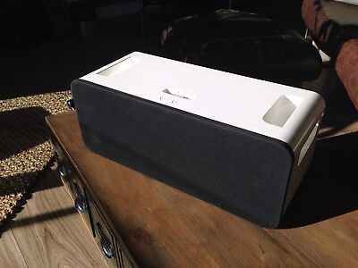 Apple A1121 iPod Hi-Fi Stereo Speaker Dock + remote, mains or battery operated