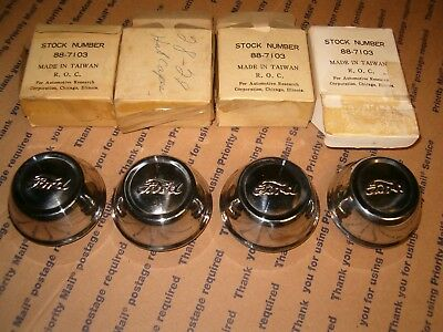 set /4 '28-'29 Model A Hubcaps, Hot Rod Ford Speedster SCTA Lakester, New in Box