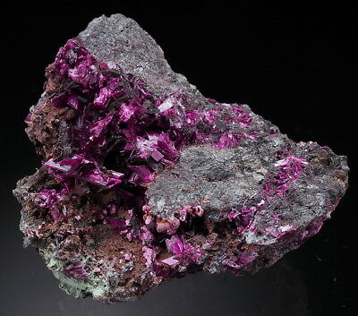 ERYTHRITE 38 grammes - ERYTHRITE rare INTENSIVE COLOUR lustous crystals