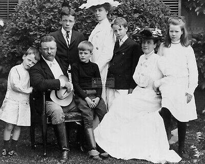 President Theodore Roosevelt And Family In 1903 - 8X10 Photo (Az478)