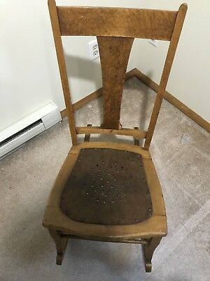 Antique Solid Wood Rocking Chair Full Size Star Pattern Seat Nice Condition