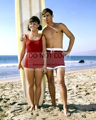 """Sally Field And Mike Nader In The Abc Tv Show """"gidget"""" - 8X10 Photo (Az600)"""