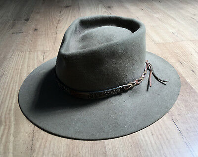 Genuine Vintage Akubra Hat 'Gymkhana' – Regency Fawn with Inlaid Feather Band