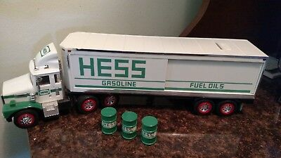 1987 Hess truck bank with barrels - working