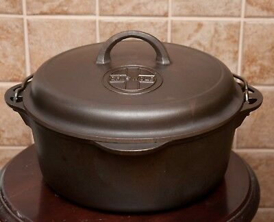 Nice Vintage Griswold No8 Cast Iron  Dutch Oven With Trivet And High Dome Lid