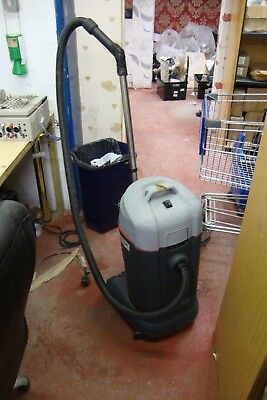 Nilfisk VL500-35 EDF 220-240v Commercial Wet and Dry Vacuum WORKING  JALO71 TR54