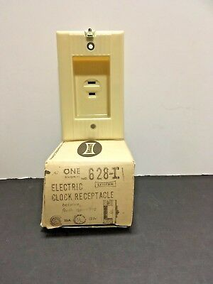 Vintage NOS Bakelite Leviton Electric clock Receptacle Flush Mount Ribbed Ivory