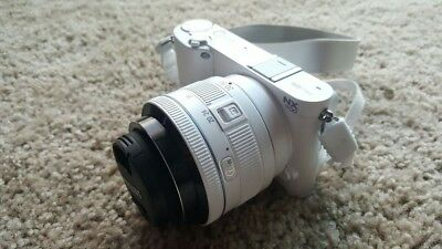 Samsung NX1100 Mirrorless Camera with 20-50mm lens, Flash & other goodies