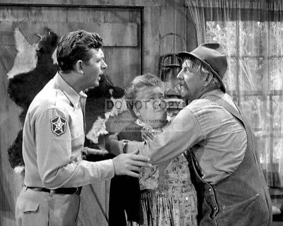 """Frances Bavier And Denver Pyle In """"The Andy Griffith Show"""" - 8X10 Photo (Az733)"""