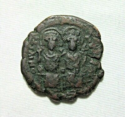 Bronze  Follis. Justin Ii And Sophia, 565-578 Ad, Constantinople Mint.
