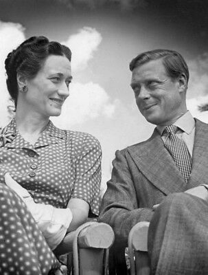 The Duke and Duchess of Windsor UNSIGNED photograph - L4067 - In the 1940s
