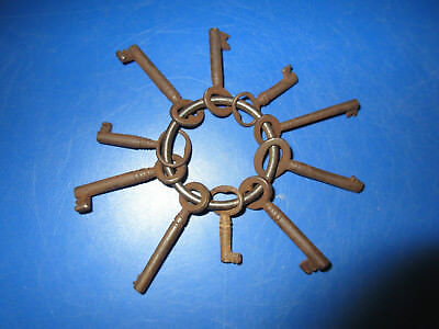 *bunch* 10 Old Antique Vintage Metal Steel Keys Architectural Antiques Lock Ring