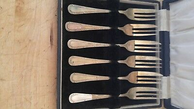 "Vintage EP silver hors d'oeuvre forks 5"" with beautiful lined storage box"