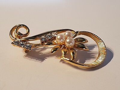 STUNNING yellow gold tone clear stone & pearl? brooch. Metal detecting find