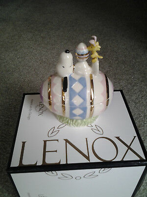 LENOX SNOOPY & WOODSTOCK IVORY CHINA COVERED EASTER TRINKET BOX MINT with CERTIF