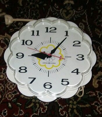 Vtg GE General Electric Atomic Space Age Style Clock VERY NICE WORKS