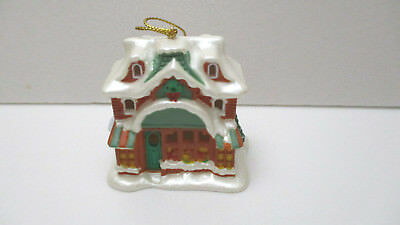 AVON Gift Collection Snow Frost Falls Victorian Village Light Cover  - House NEW