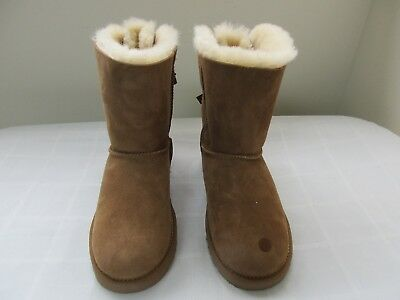 0130f27a383 NEW DEFECTS GIRL'S Kids UGG Bailey Bow Boot 3280Y Size 5 Chestnut See Pics  W29