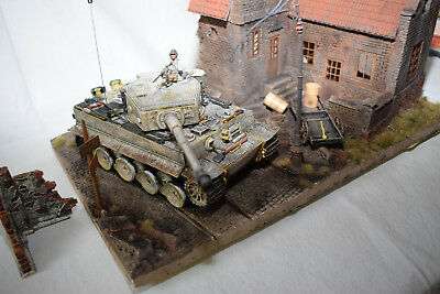 Forces of Valor 1:32 Tiger Ost Front 1944 Winter 80204 + Diorama