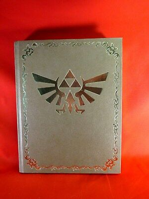 THE LEGEND OF ZELDA ~ Twilight Princess Collectors Book EXCELLENT Condition!