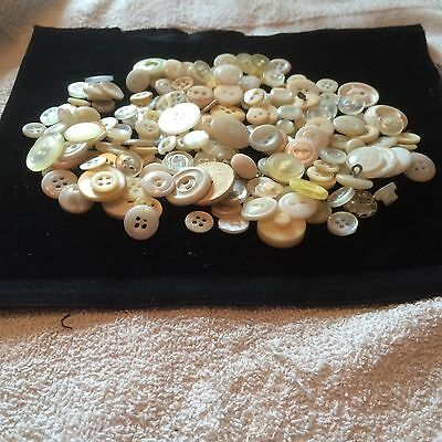 GREAT! 200 pcs MIXED LOT of VINTAGE/NEW Buttons ALL TYPE, SIZE, WHITES GREAT MIX