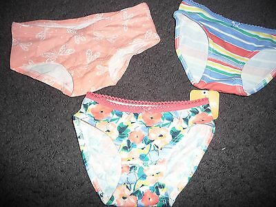 NEW NWT Girls Gymboree 3 Pairs Of Underwear Size 2T different patterns bunnies