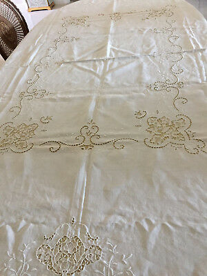 ELEGANT VINTAGE WHITE LINEN EMBROIDERED TABLECLOTH W/Needle Lace Inserts