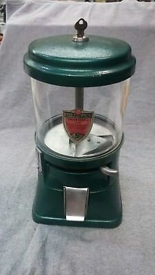 1940's REGAL VINTAGE COIN OP BULK VENDING CANDY NUTS GUMBALL MACHINE