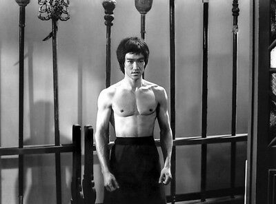 Bruce Lee UNSIGNED photograph - L4597 - Hong Kong and American actor