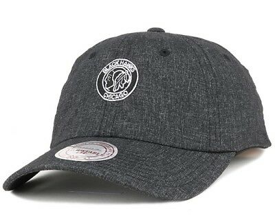 New Mens Black Mitchell & Ness Chicago Blackhawks Curved Peak Cap One Size NHL