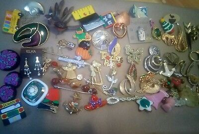 Vintage HUGE LOT of vintage brooches pins sweater clips 80 pieces signed