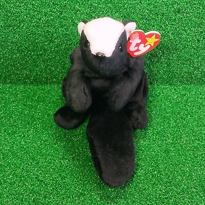 MWMT Ty Beanie Baby STINKY The SKUNK 1995 Retired Road Kill Plush Toy Ships FREE