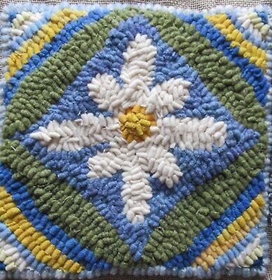 Daisy Days~ Rug In A Day Linen Patern ~ Primitive Rug Hooking
