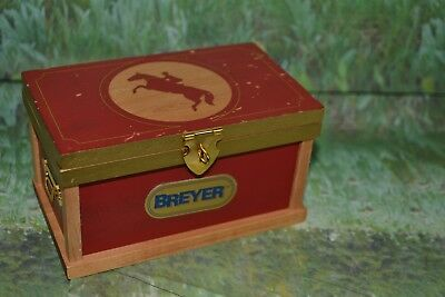 Breyer Traditional Deluxe Tack Box Trunk Red #286 2